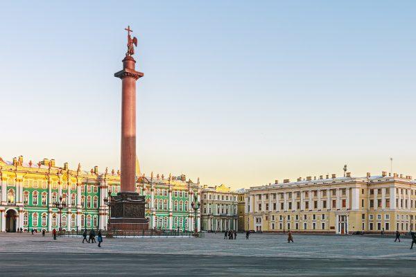 Viaggio in Russia, Piazza del Palazzo a San Pietroburgo