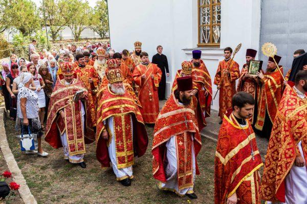 Tour Anello d'Oro, messa ortodossa, Sergiev Posad