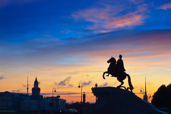 Tour San Pietroburgo, il Cavaliere di Bronzo, Statua di Pietro il Grande