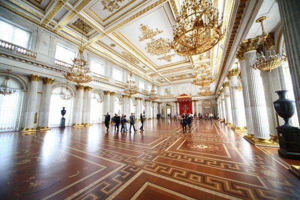 Viaggio in Russia, sala interna dell'Ermitage a San Pietroburgo