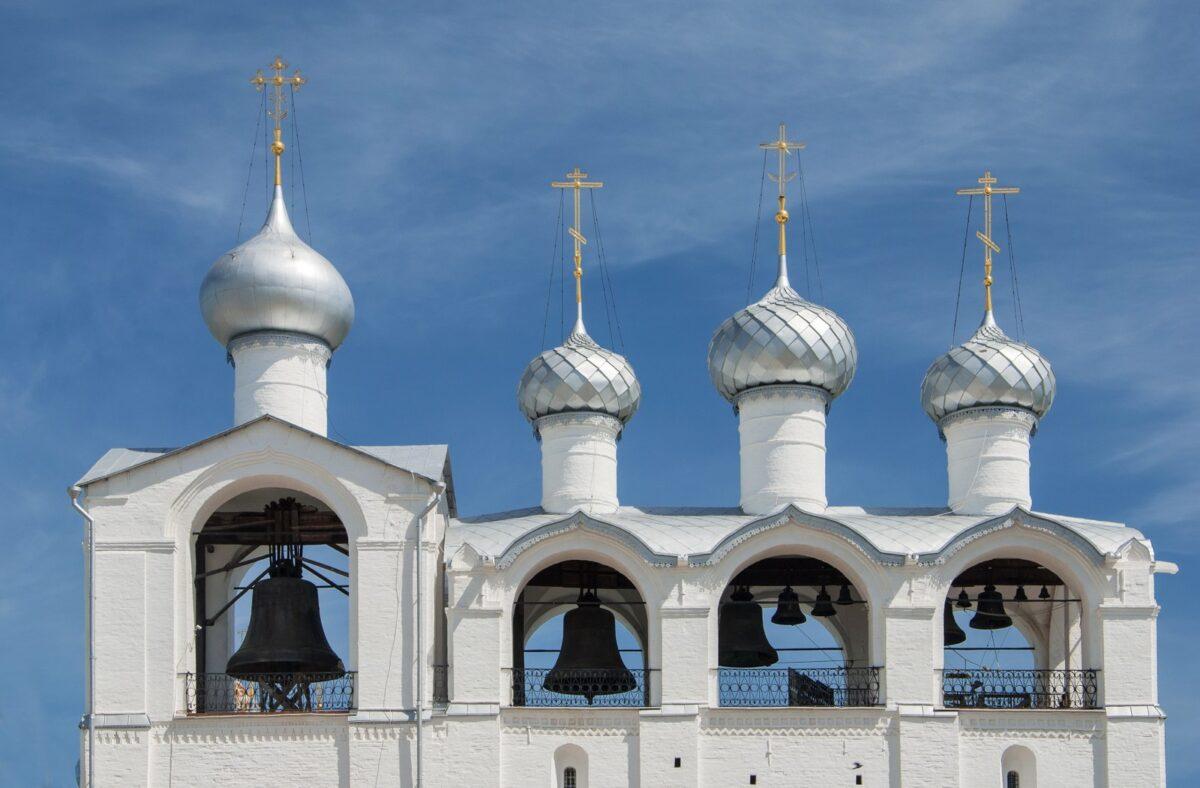 chiesa bianca anello d oro