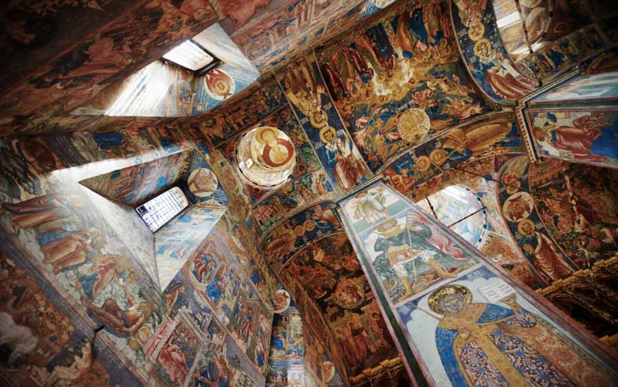 Interni della chiesa di Sant Elia, l'Anello d'Oro in Russia