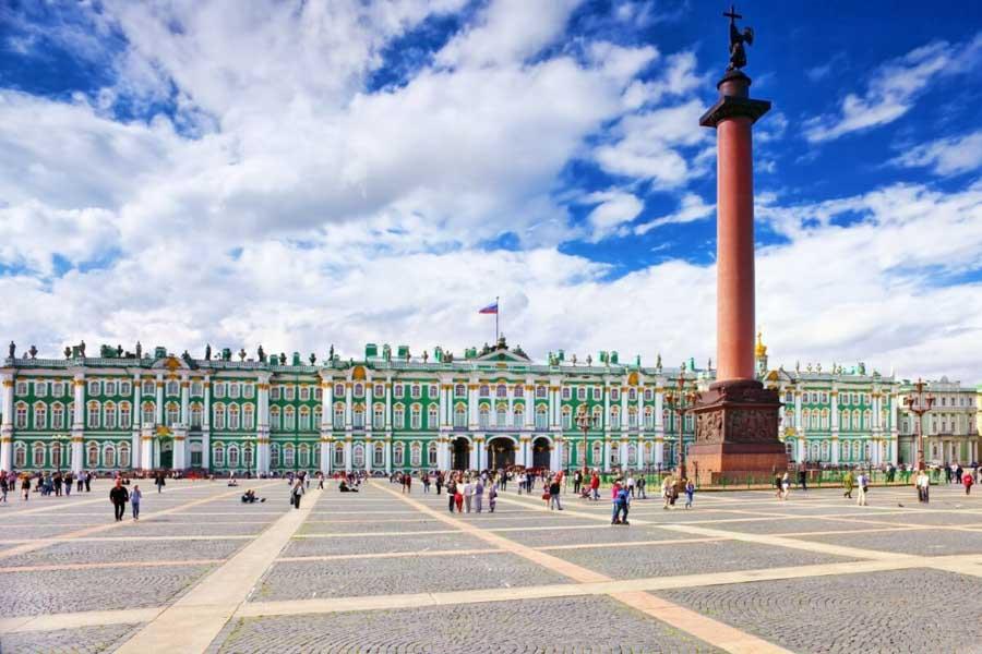 san-pietroburgo-piazza-centrale-viaggio-in-russia
