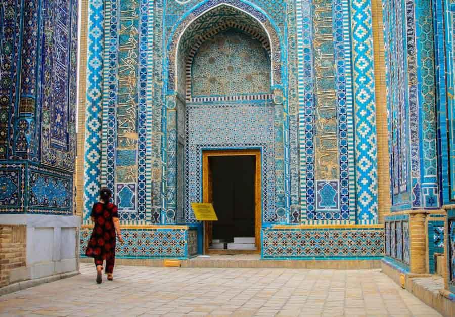Uzbekistan, muri dipinti in ceramica